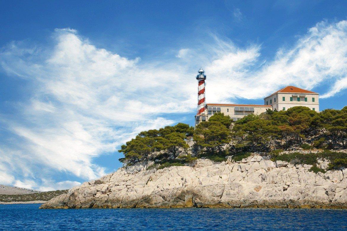 Lighthouse Tajer, Vela sestrica island, lighthouse vacation in Croatia, www.zadarvillas.com