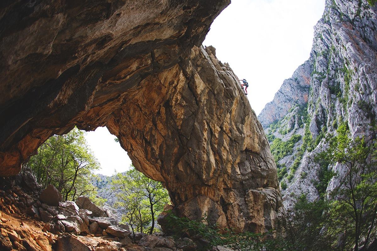 hiking paklenica velebit