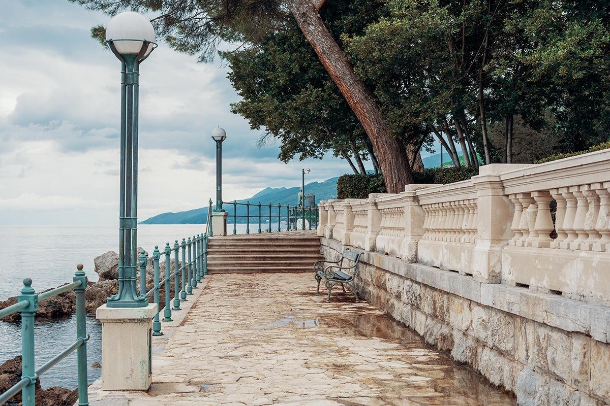promenade opatija lungomare croatia