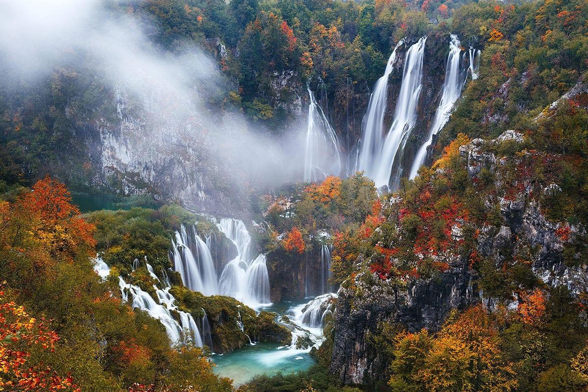 autumn plitvice lakes croatia