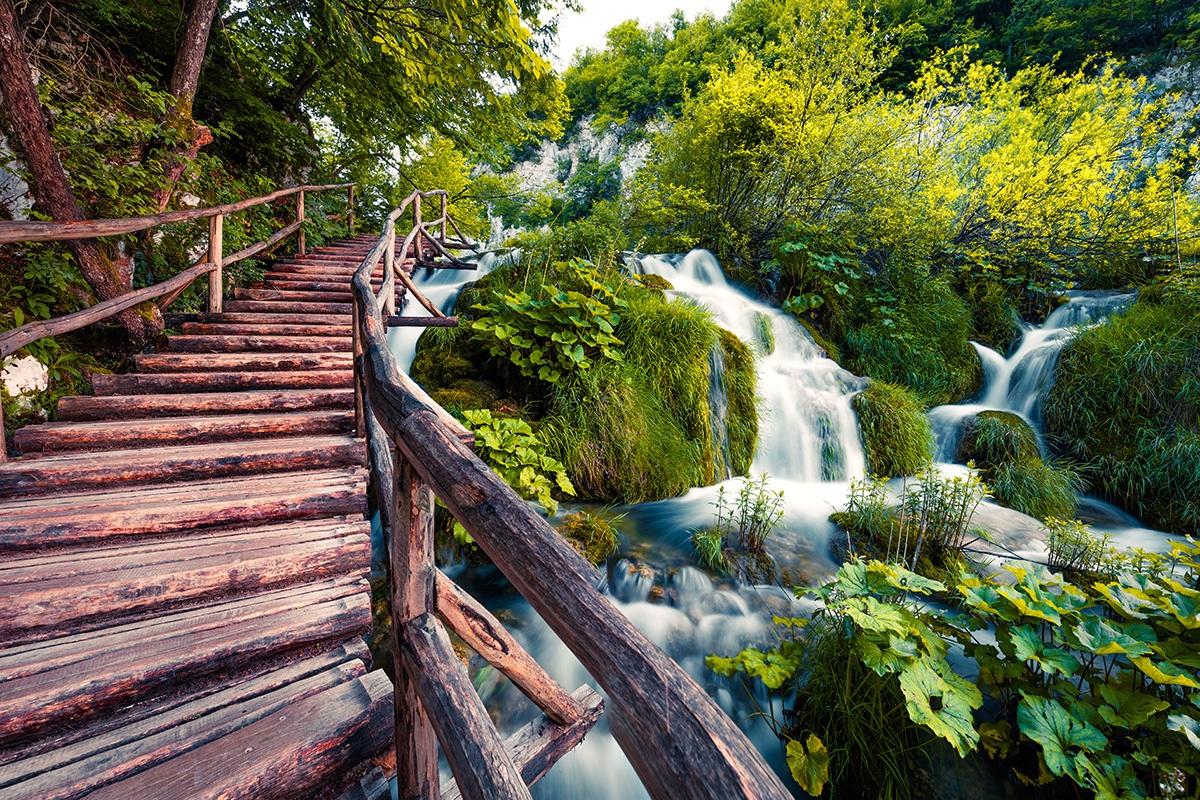 trail plitvice lakes croatia