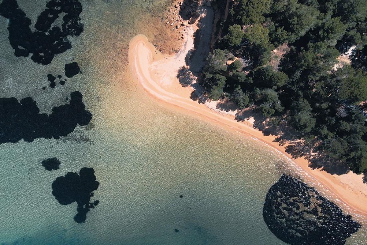 Pláž Pobrizi, Vrgada