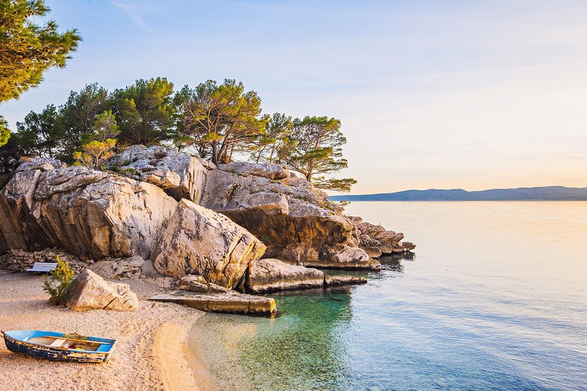 Pláž Podrače, Brela,  pláží v Chorvátsku