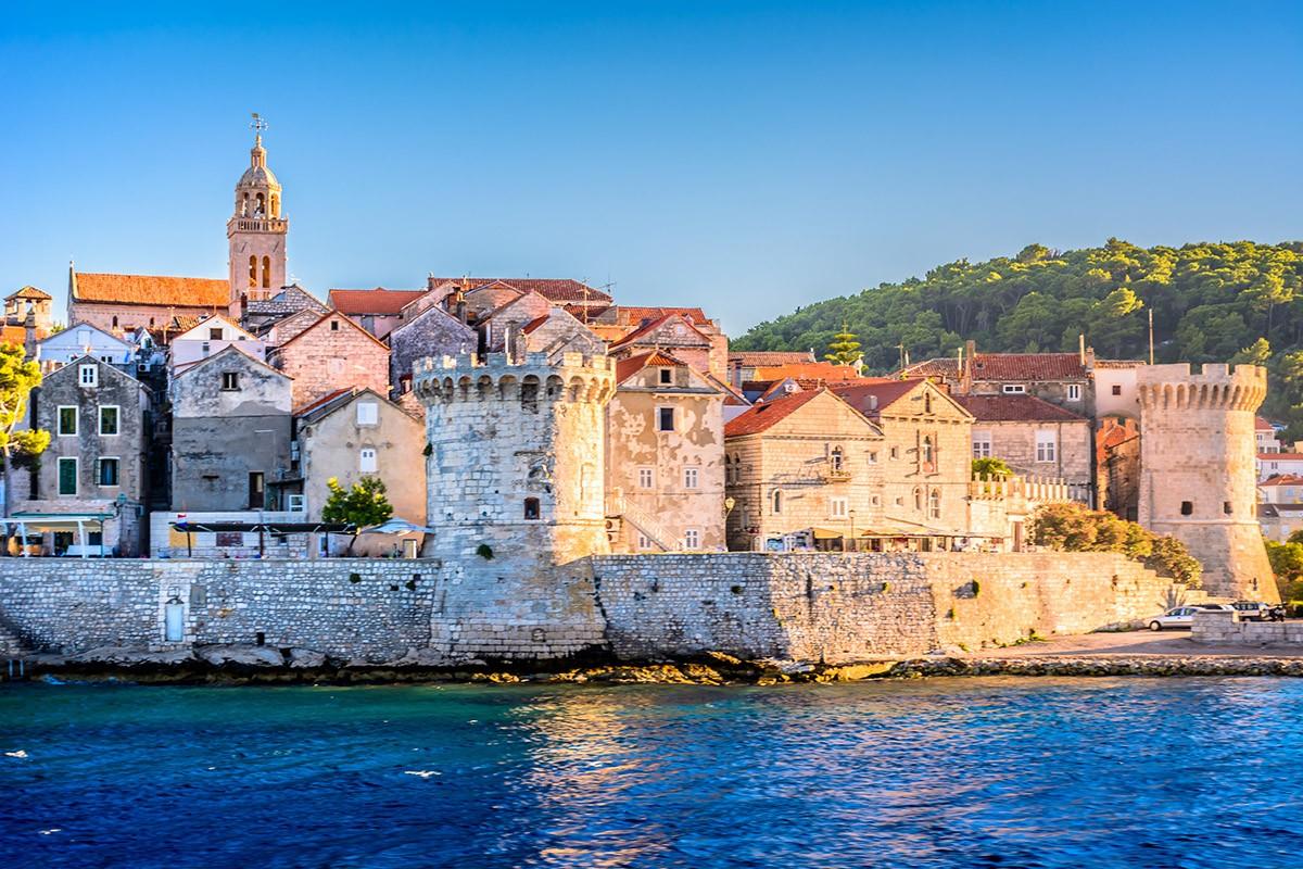 Korčula tower and walls